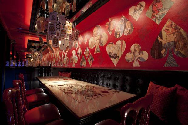 alice in wonderland restaurant tokyo japan 4 3 Bizarre Theme Restaurants in Tokyo, Japan