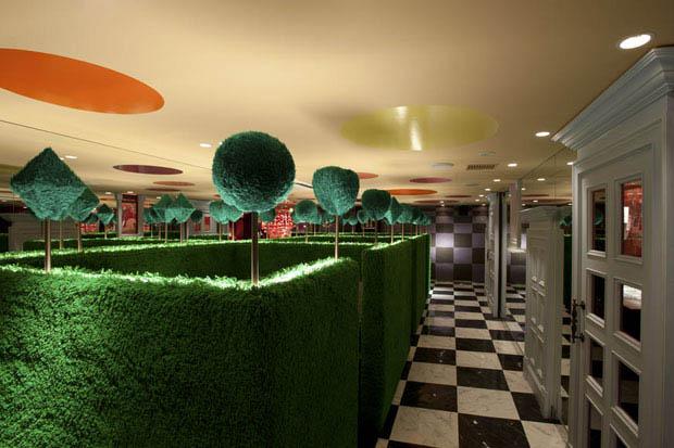 alice in wonderland restaurant tokyo japan 5 3 Bizarre Theme Restaurants in Tokyo, Japan