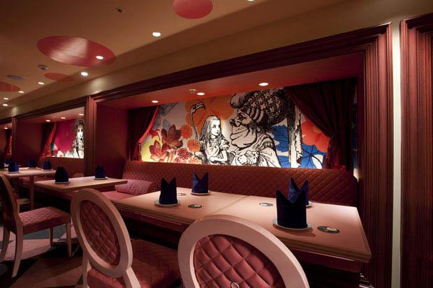 alice in wonderland restaurant tokyo japan 7 3 Bizarre Theme Restaurants in Tokyo, Japan