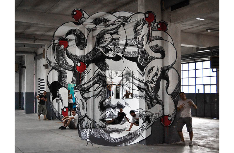 anamorphic medusa head truly design 8 Anamorphic Medusa by Truly Design