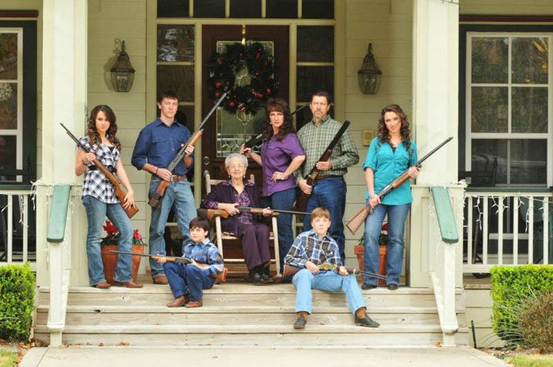 awkward family photo guns The Shirk Report   Volume 140