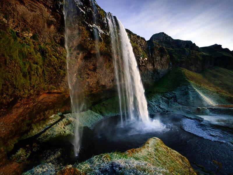 iceland seljalandsfoss falls Picture of the Day: Seljalandsfoss Waterfall, Iceland