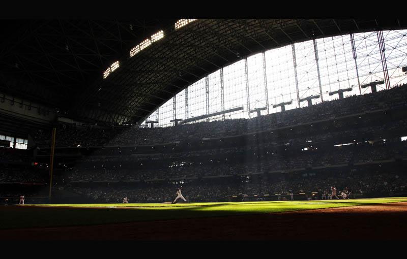 miller park yovanni gallardo brewers diamondbacks game 1 oct 1 2011 Picture of the Day: Beautiful Day for Baseball