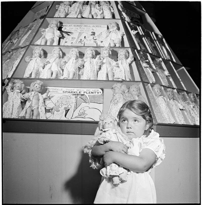 photographs by stanley kubrick look magazine life in new york 40s 17 Stanley Kubricks Photos of New York Life in the 40s