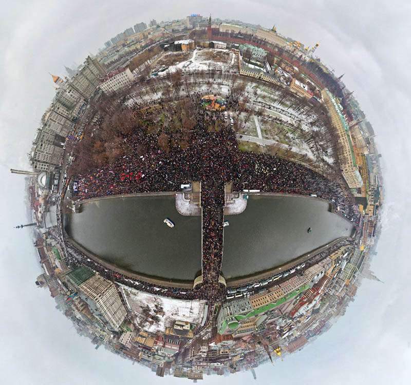 protests in russia polar panorama Picture of the Day: Polar Panorama of Protests in Moscow, Russia