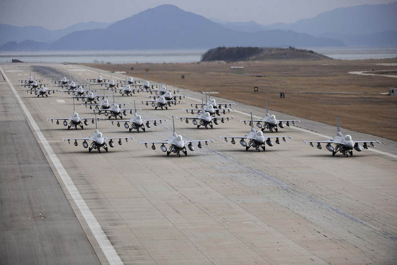 us air force f 16 fleet elephant walk formation Picture of the Day: Serious Firepower