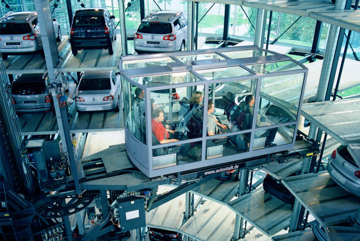 austadt vw car tower germany 8 Volkswagens 800 Vehicle Car Towers in Germany