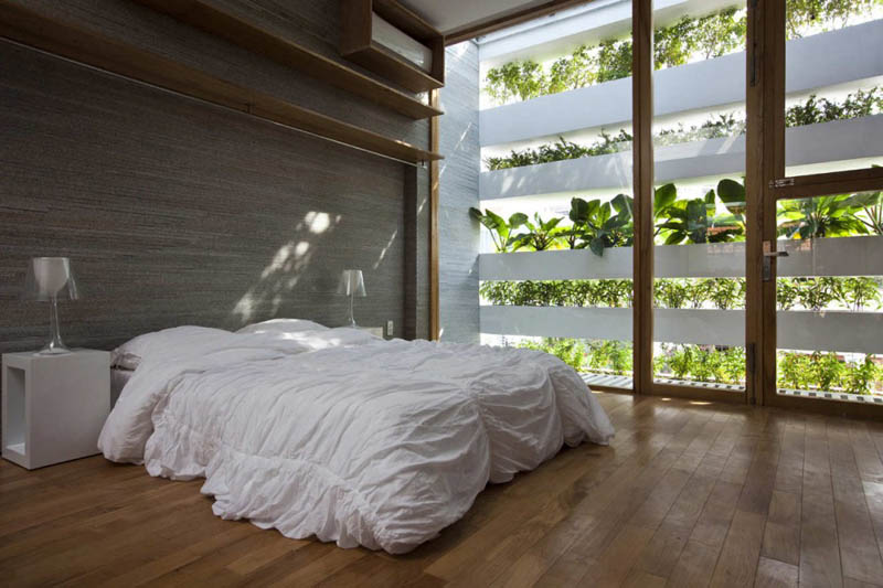 green house with planters for walls ho chi minh trang chu 11 Green Home in Ho Chi Minh has Living Walls