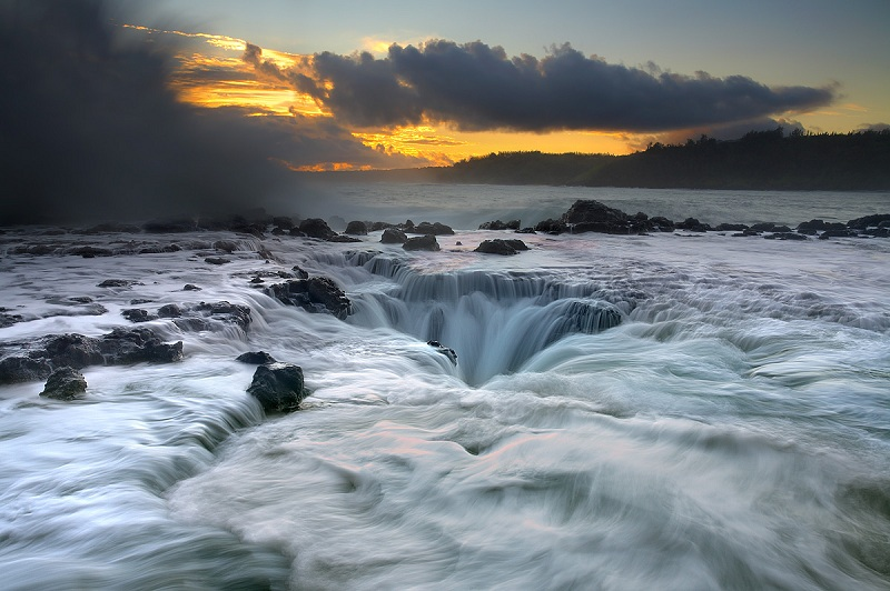 maelstrom kauai hawaii 2 The Top 100 Pictures of the Day for 2012
