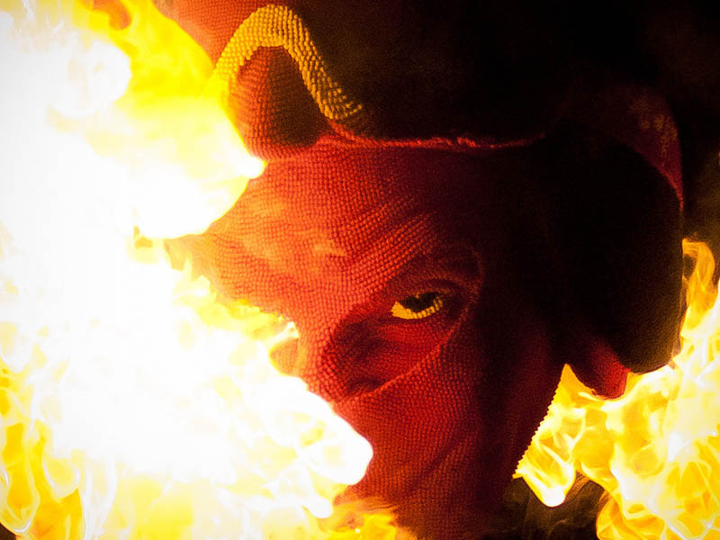 devil head sculpture made of matches set ablaze david mach 9 A Devil Sculpture Made from Matches Gets Set Ablaze