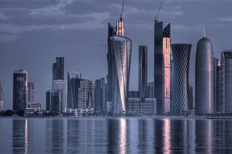 doha qatar skyline The Eclectic Architecture of Doha, Qatar [25 pics]