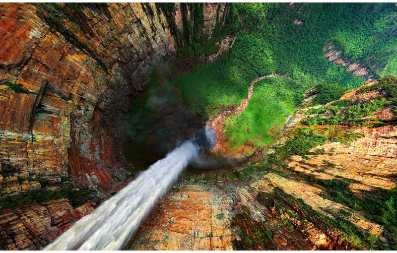dragon falls churun meru venezuela from above aerial Picture of the Day: Dragon Falls, Venezuela from Above