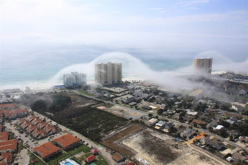 fog rolls over high rise condos on the florida coastline 5 Dramatic Fog Rolls Over High Rise Condos on the Florida Coastline