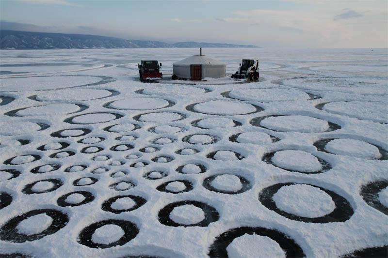 jim denevan giant ice art circles siberia 7 The Colossal Land Art of Jim Denevan [30 pics]