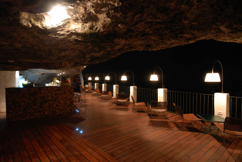 restaurant inside a cave cavern itlay grotta palazzese 5 The Seaside Restaurant Set Inside a Cave