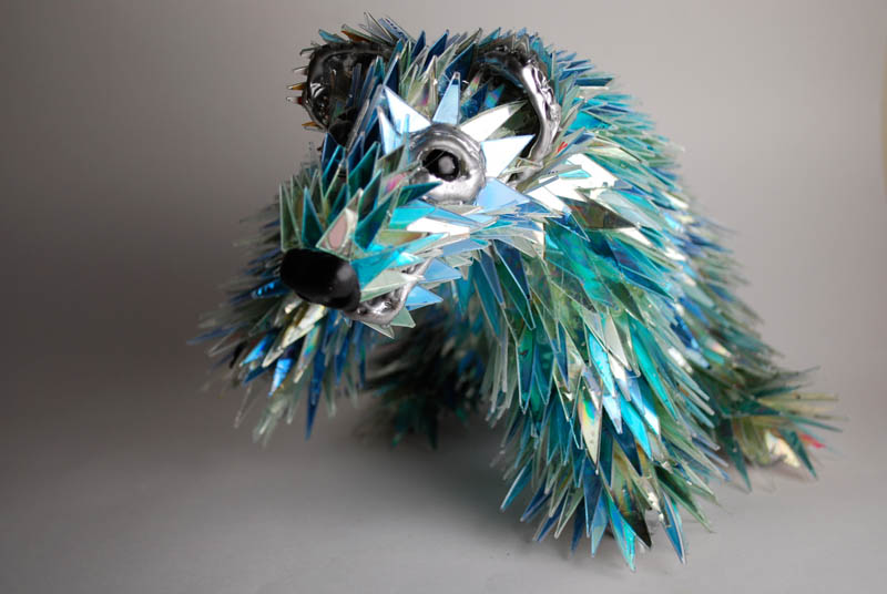 animal sculptures made from shattered cds sean avery 1 10 Amazing Animals Sculptures Made from Shattered CDs