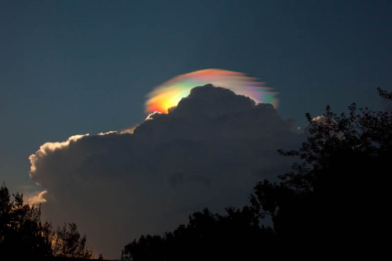 cloud iridescence 15 Incredible Cloud Formations