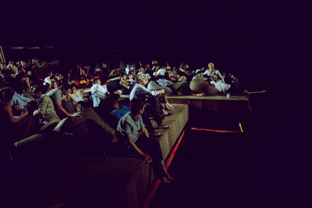 floating cinema movie theatre thailand archipelago 2 Amazing Floating Cinema in Thailand
