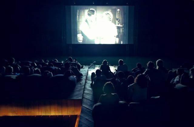 floating cinema movie theatre thailand archipelago 3 Amazing Floating Cinema in Thailand