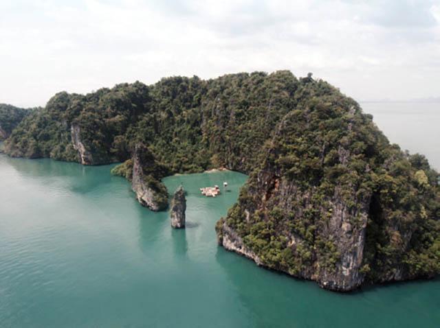 floating cinema movie theatre thailand archipelago 4 Amazing Floating Cinema in Thailand