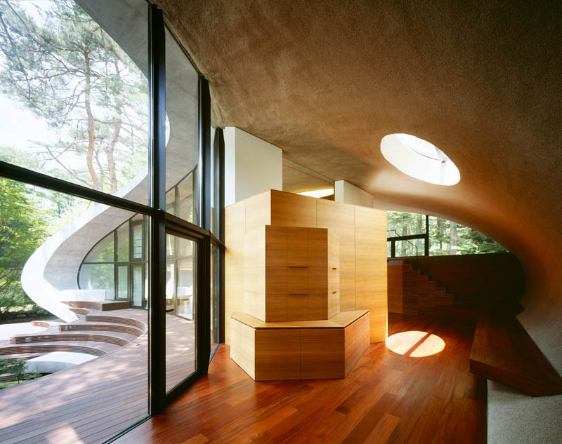 japanese oval sushi roll house villa cottage 17 An Oval Shaped Villa in the Forests of Japan