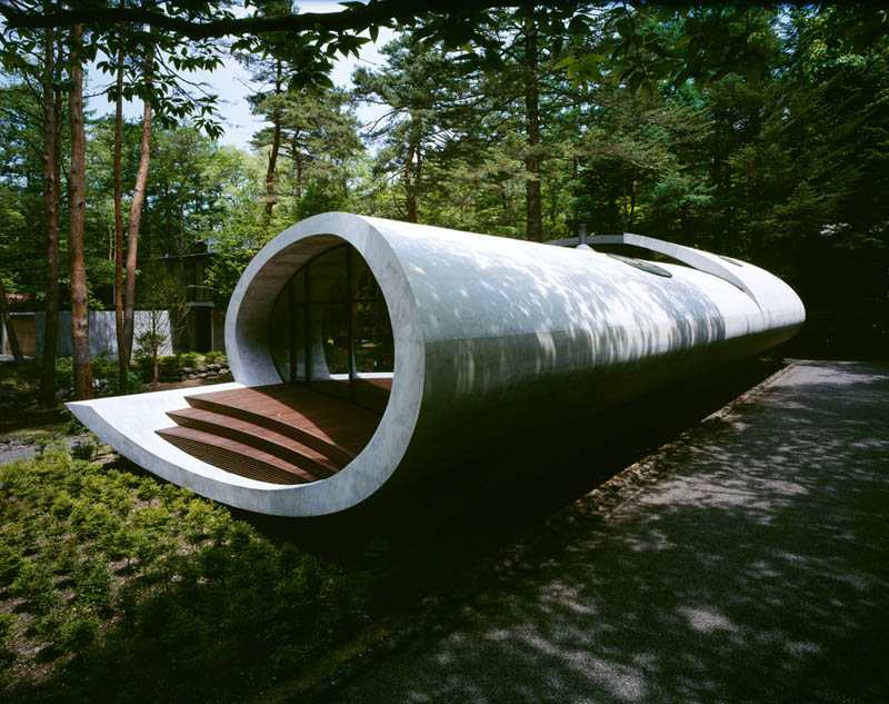 japanese oval sushi roll house villa cottage 5 An Oval Shaped Villa in the Forests of Japan