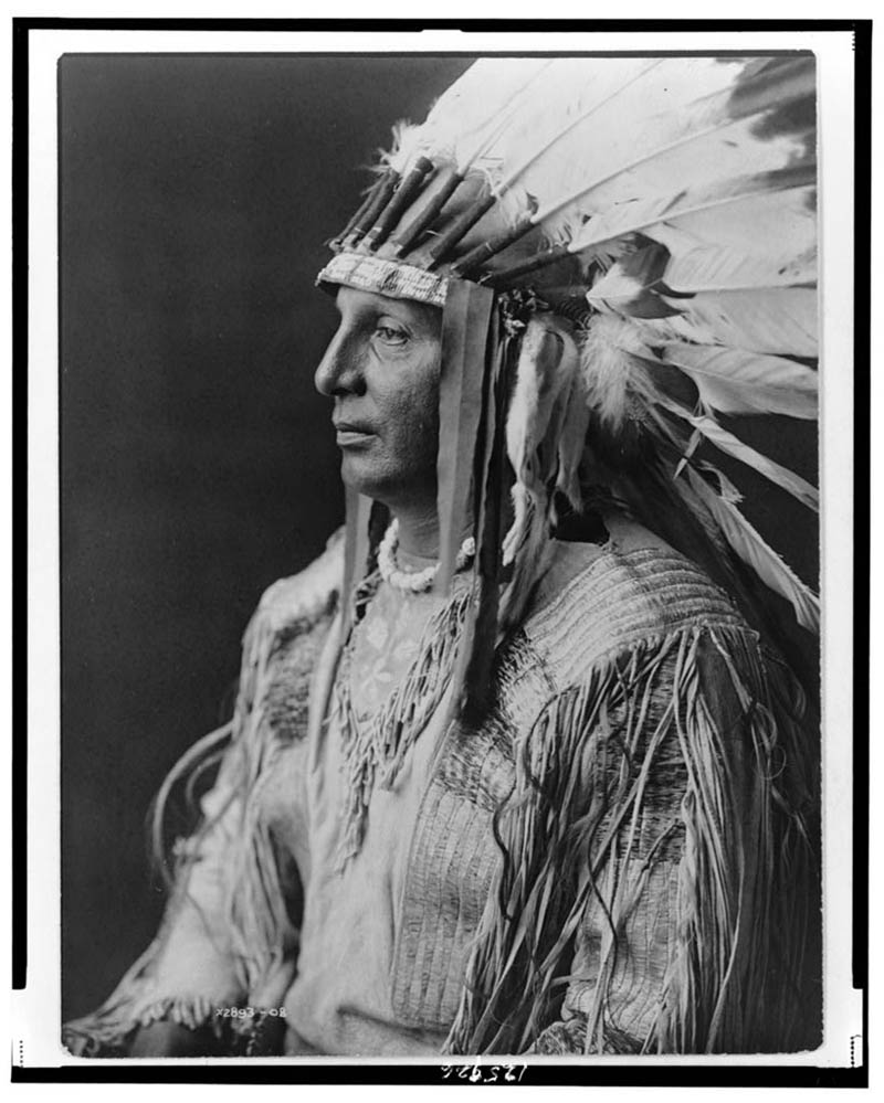 native american portraits by edward s curtis early 1900s 1 Portraits of Native Americans from the Early 1900s