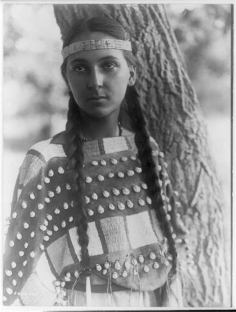 native american portraits by edward s curtis early 1900s 16 Portraits of Native Americans from the Early 1900s