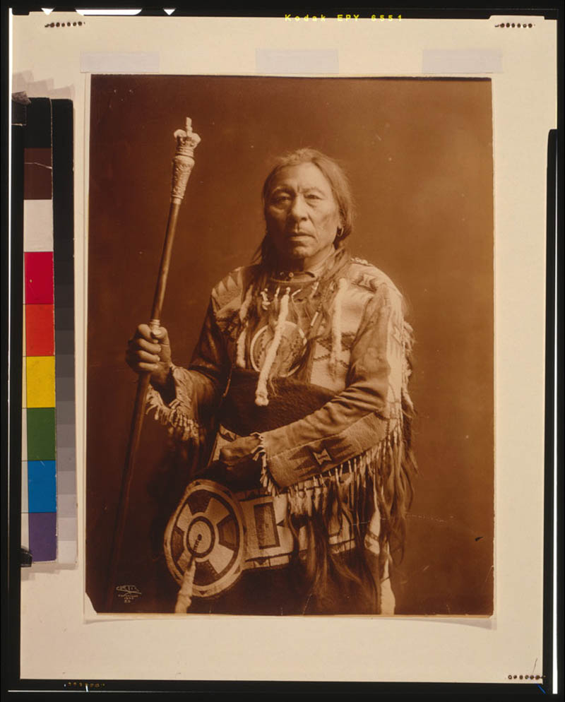 native american portraits by edward s curtis early 1900s 9 Portraits of Native Americans from the Early 1900s