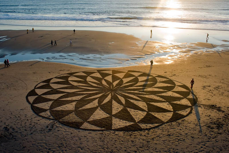 sand beach art andres amador 8 The Incredible Beach Art of Andres Amador