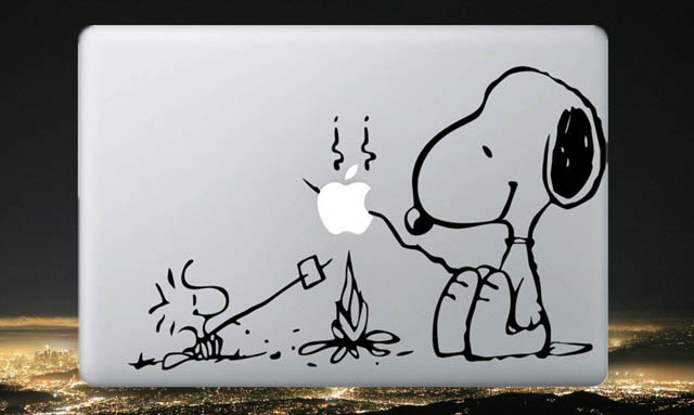snoopy macbook decal sticker 50 Creative MacBook Decals and Stickers