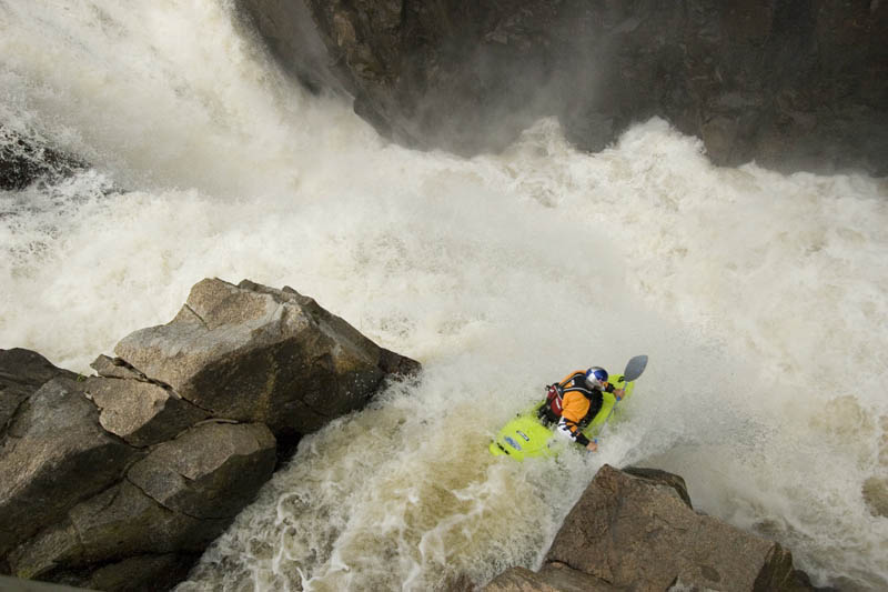 whitewater kayaking red bull 15 The Top 30 Whitewater Kayaking Photos by Red Bull