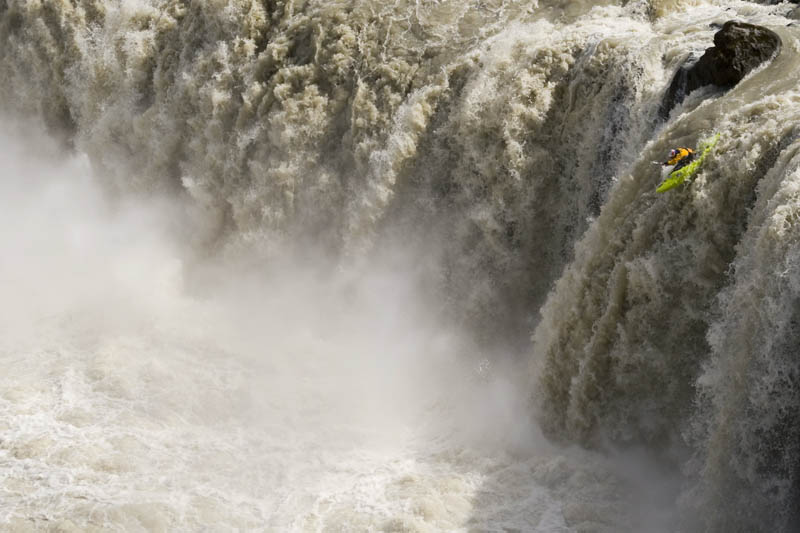 whitewater kayaking red bull 6 The Top 30 Whitewater Kayaking Photos by Red Bull