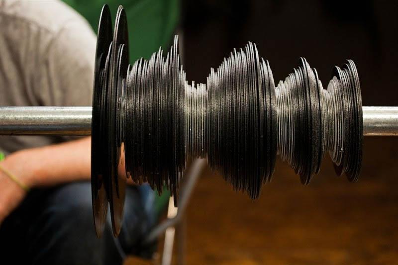 benga i will never change music video vinyl soundwave by us 12 Music Video Recreates Waveform Using 960 Vinyl Records