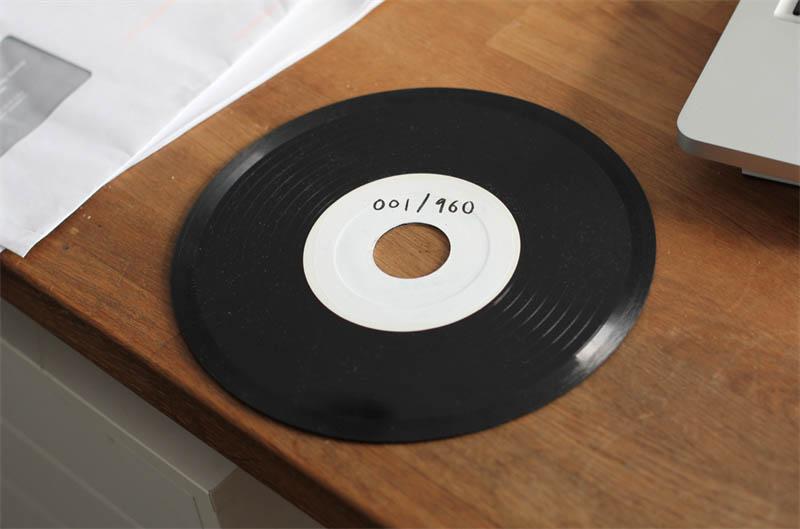 benga i will never change music video vinyl soundwave by us 4 Music Video Recreates Waveform Using 960 Vinyl Records