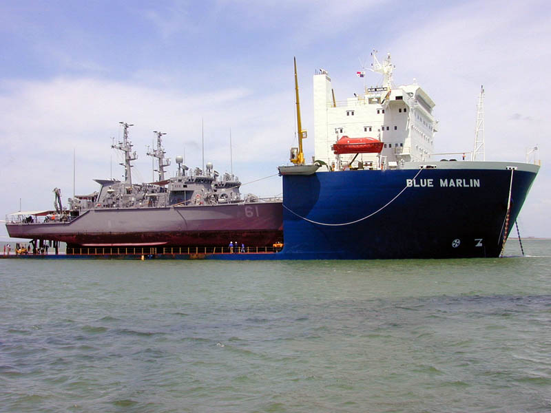 blue marlin heavy lift ship transports rigs and other ships 6 Blue Marlin: The Giant Ship That Ships Other Ships