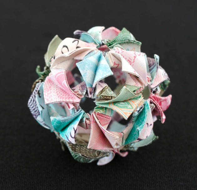geometric shapes made from currency kristi malakoff 1 Geometric Shapes Made from Currency