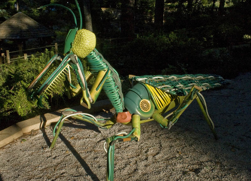 praying mantis gardening tools sculpture joe joseph carnevale Sculptures Made From Everyday Objects