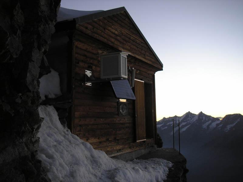 solvay hut matterhorn solvayhutte cabin on mountain above clouds switzerland 4 The Hut Above the Clouds on the Matterhorn