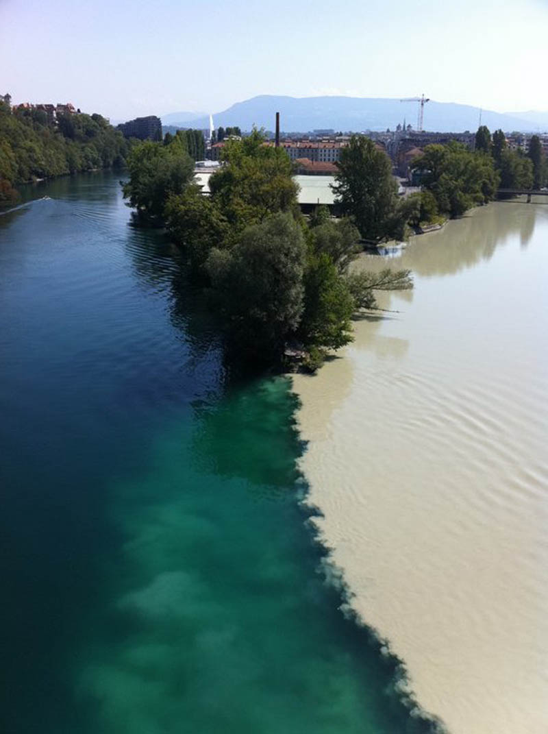 two rivers colliding geneva switzerland rhone and arve rivers 2 Picture of the Day: Colliding Rivers in Geneva, Switzerland