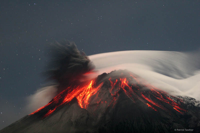 volcano tungurahua erupts ecuador Picture of the Day: The Throat of Fire Erupts in Ecuador