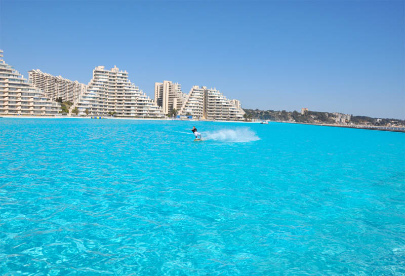 biggest swimming pool in the world san alfonso del mar 1 The Largest Swimming Pool in the World