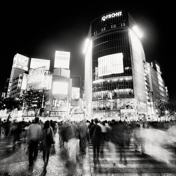 black and white cityscape night photography martin stavars 12 Dramatic Black and White Cityscapes at Night