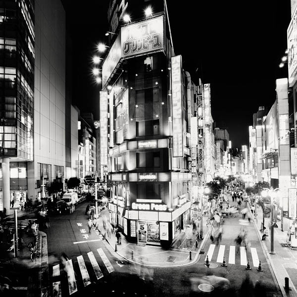 black and white cityscape night photography martin stavars 2 Dramatic Black and White Cityscapes at Night