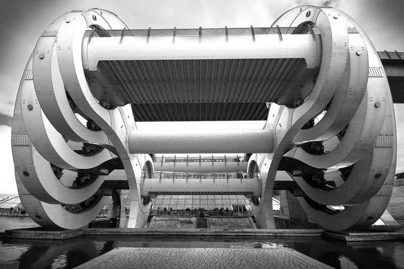 falkirk wheel in motion Incredible Architecture Photography by Dave Wilson