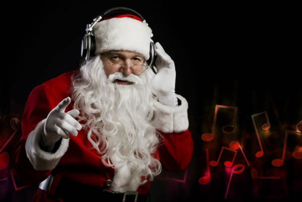 funny dj santa clause photoshop picture 15 Famous People That Are Also Superstar DJs