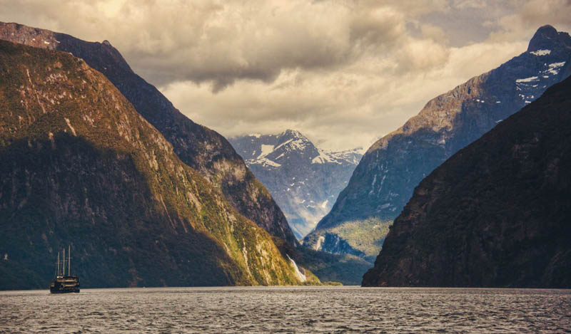 milford sound fjord new zealand south island fiordland national park 1 Picture of the Day: The Milford Sound Fjord in New Zealand