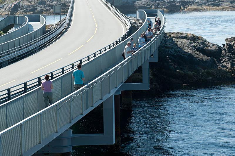 myrbc3a6rholmbrua 2 The Atlantic Road: Norways Construction of the Century