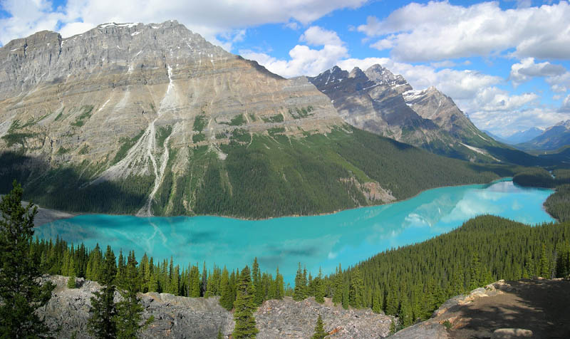 peyto lake banff national park alberta canada Picture of the Day: Glacier Fed Peyto Lake in Banff
