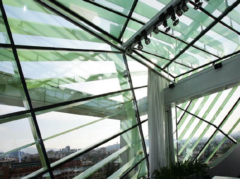 rooftop meeting space with swopping lush panoramic interior garden 1 Amazing Rooftop Boardroom with Panoramic Indoor Garden